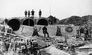 London's Northern Outfall sewer, 1862.
