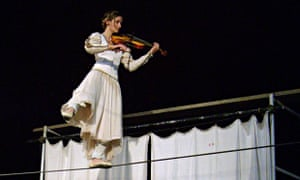 Footsbarn Theatre, Juliet on a tightrope in Shakespeare's Party