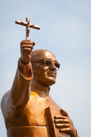 A golden statue of Archbishop Oscar Romero in San Salvador.