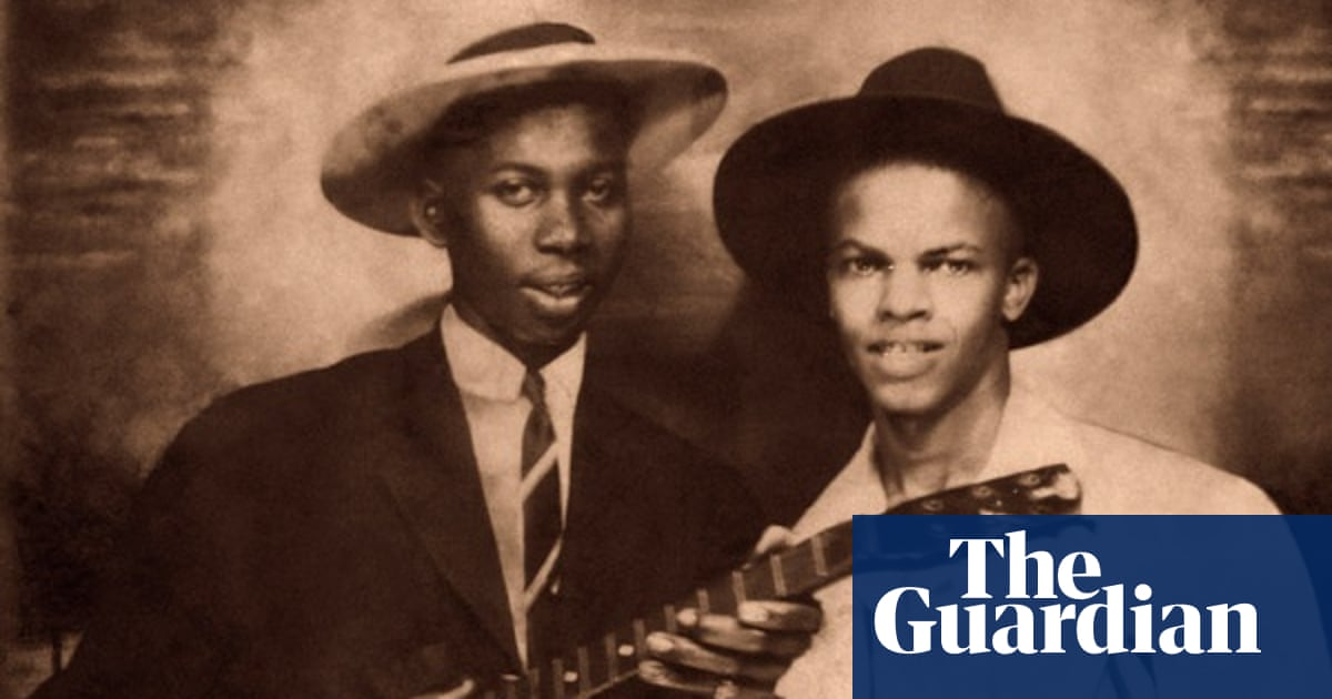 Robert Johnson' photo does not show the blues legend, music experts