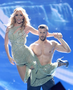 Edurne from Spain performs the song 'Amanecer'