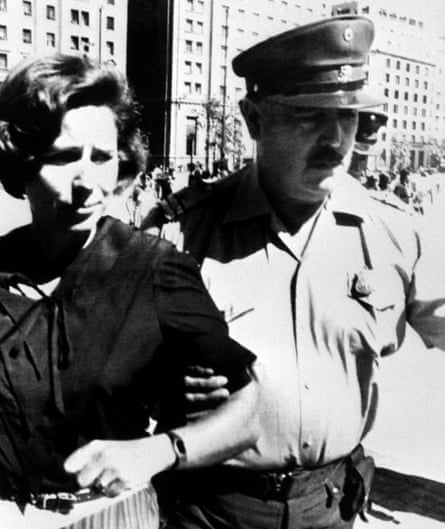 Beate Klarsfeld being arrested by Chilean police in 1984 in Santiago for staging a demonstration to demand the expulsion of Nazi war criminal Walter Rauff.