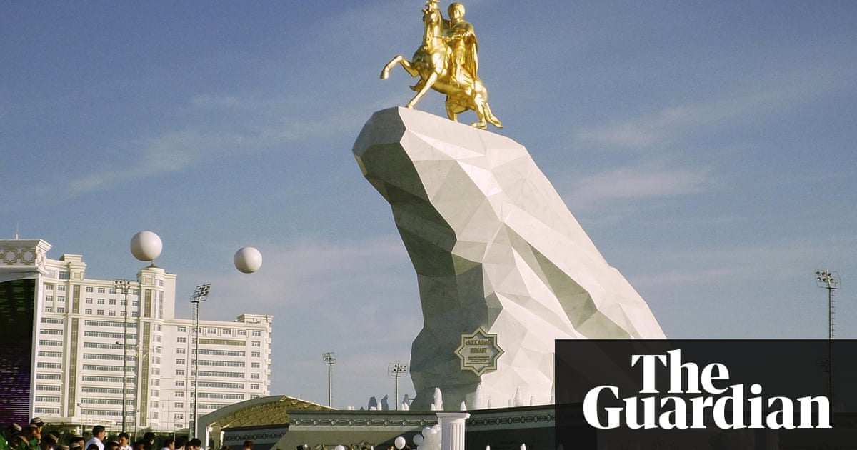A horse a horse turkmenistan president honours himself with turkmenistan president honours himself with statue world news the guardian publicscrutiny