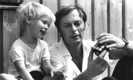 Erno Rubik with his daughter Anna in 1981.
