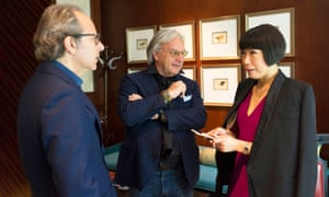 Angelica Cheung chats with Diego Della Valle (centre), President and CEO of Tod's and Andrea Della Valle VP of Tod's (left)