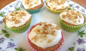 Mini carrot and courgette cakes