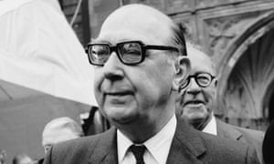 magazine backtracks on philip larkin poem claim books the guardian philip larkin in 1984 the tls has also taken down an accompanying essay photograph express getty images