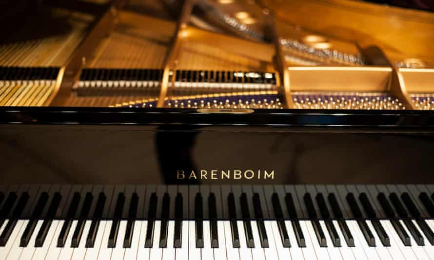 Daniel Barenboim has revealed his new piano design, developed and built by Belgian instrument maker Chris Maene with support from Steinway & Sons.