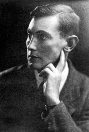 Lytton Strachey confided to Vanessa Bell his thoughts of George Mallory: 'He's six foot high, with the body of an athlete by Praxiteles and a face ... the mystery of Botticelli, the refinement and delicacy of a Chinese print ...'