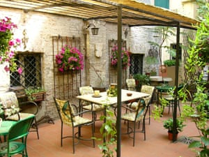 The terrace at B&B Locanda Borgonuovo, Ferrara