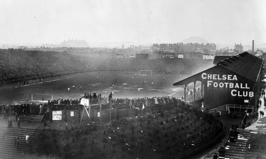 <strong>1921 Tottenham Hotspur v Wolverhampton Wanderers </strong>Fans watch the FA Cup final at Stamford Bridge, which Spurs won 1-0