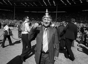 1977 Manchester United v Liverpool A delighted Tommy Docherty enjoys the celebrations after United's 2-1 win