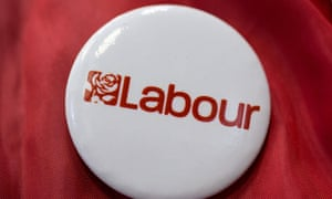 Labour party logo on a badge