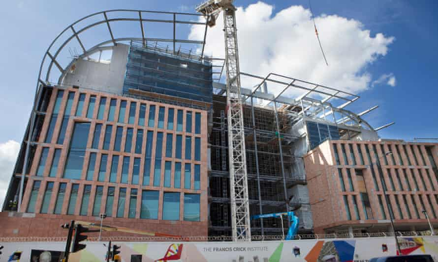 The Francis Crick Institute building being built behind the British Library.