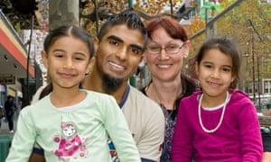 Jon and Lisa Owen and children, Struggle Street