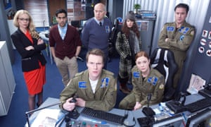 Bugsplat!, Channel 4. l-r (back) Gina (Fiona Button), Mo (Sacha Dhawan), Barry (Vincent Franklin), Shona (Aimee-Ffion Edwards), Peter (Rufus Jones).l-r (front) James (Hugh Skinner), Lexi (Lauren O'Neil)