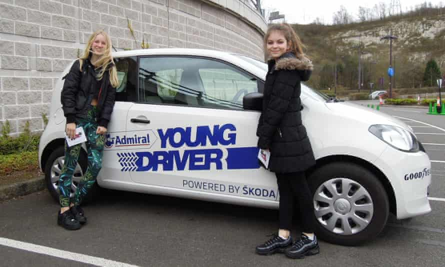 Which end is the front again?: Vita and Mary make themselves familiar with the Skoda.