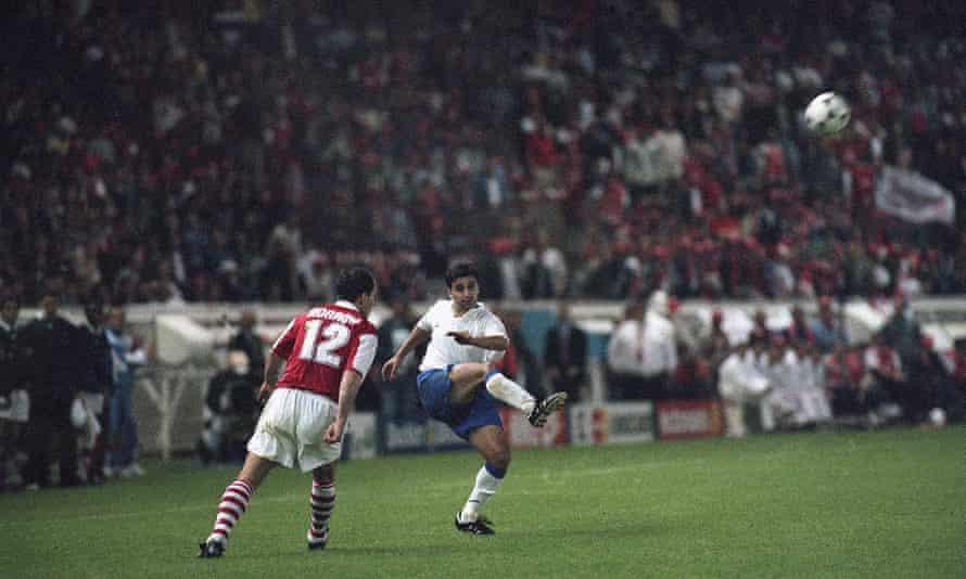 Golden Goal Nayim For Zaragoza V Arsenal 1995 Zaragoza The Guardian