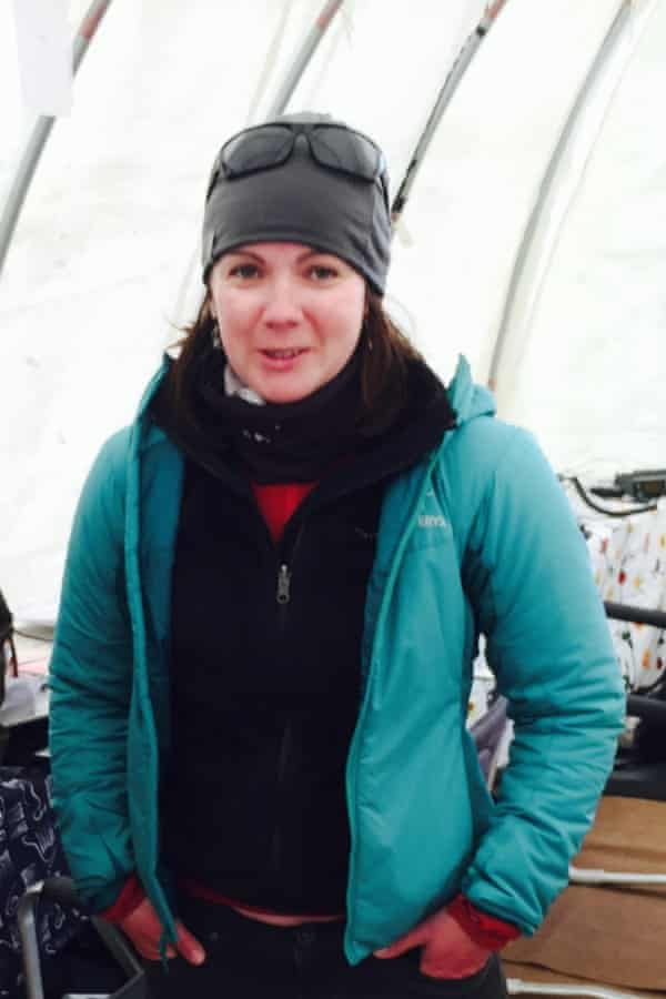Rachel Tullet cracked her patella and tore ligaments in the avalanche, but was able to keep 23 people alive until help arrived the following day.