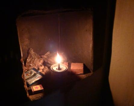 Kerosene lamp in a Poraja home