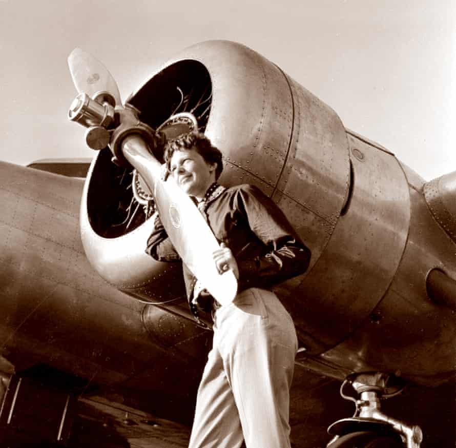 Earhart next to the propeller of her Model 10E Electra