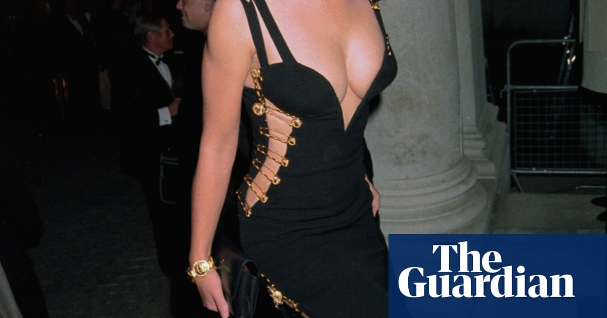 Elizabeth Hurley At 50 How She Has Influenced Your Wardrobe