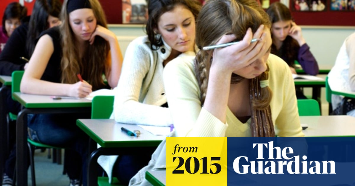 68244df4d6 Schools tighten grip on restrictive dress codes – and students are fed up