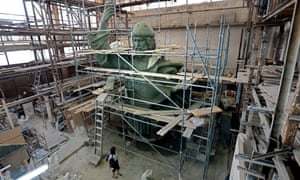 The cast-bronze statue will be more than 24m high and weigh 330 tons, with a huge cross in Vladimir's right hand.