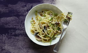 Spaghetti with fennel fronds, sardines, lemon zest and chilli