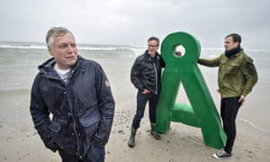 Uffe Elbæk of The Alternative visits Skagen in northern Denmark, as part of his election campaign.
