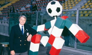 England's manager Bobby Robson poses with Ciao, the mascot of the 1990 World Cup.