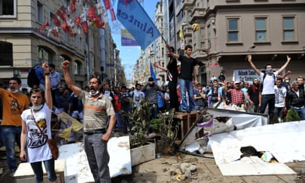 people protesting against the demolition of Gezi Park, in Taksim Square in Istanbul, June 2013.