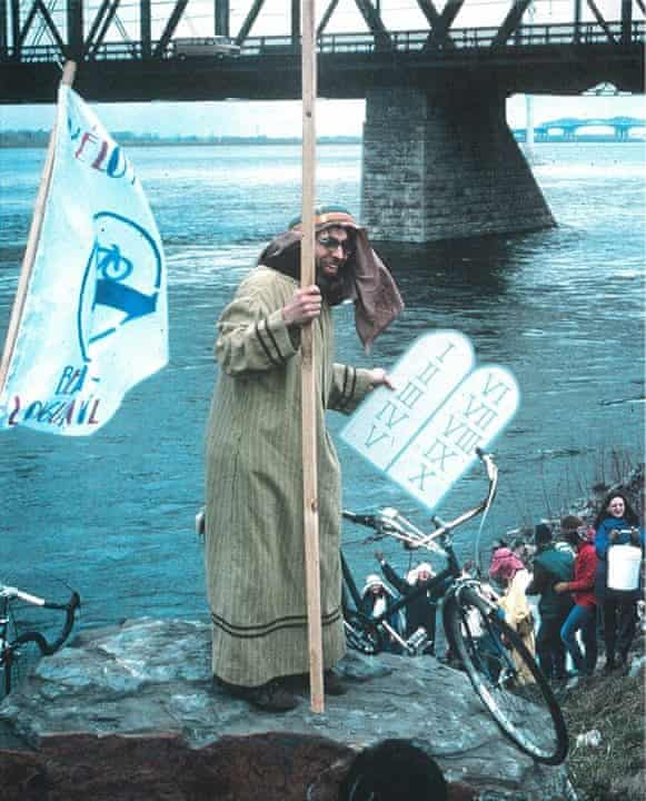 Activist 'Bicycle Bob' attempts to part the waters of the Saint Lawrence river.