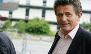 Chairman of the Bilderberg Group, Henry de Castries, the head of AXA, decides whether or not to speak to the press.