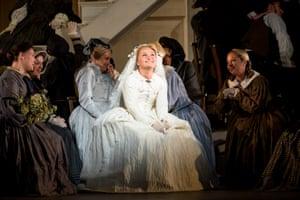 Julia Lezhneva as Zerlina with members of the Royal Opera Chorus.
