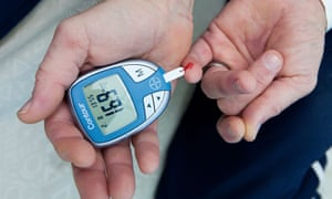 Testing blood sugar level for diabetes with an electric meter