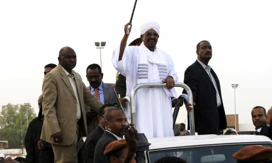 Sudanese president Omar al-Bashir waves to supporters on after arriving back in Khartoum after the African Union conference in Johannesburg.