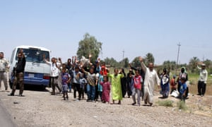 Displaced Iraqis begin returning  to their hometown of Tikrit, northern Iraq.