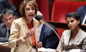 Marisol Touraine speaks in the French National Assembly.