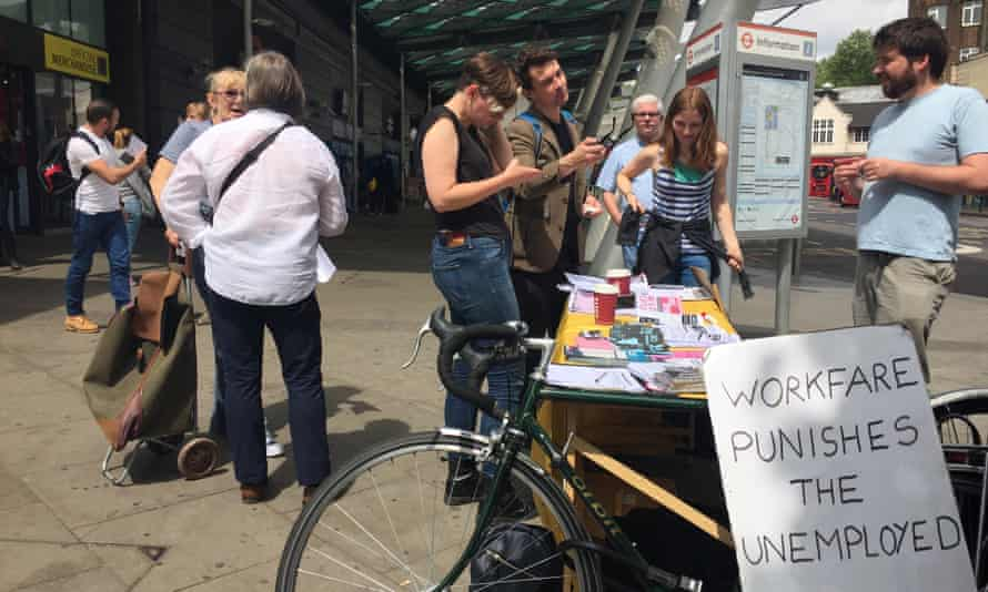 Haringey Solidarity Group distribute literate outside Finsbury Park tube station.