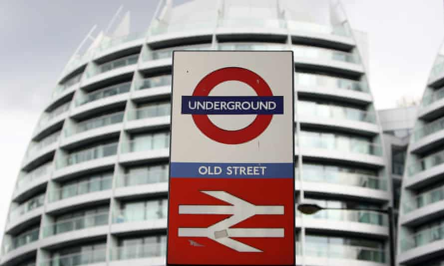 Sign for Old Street underground station