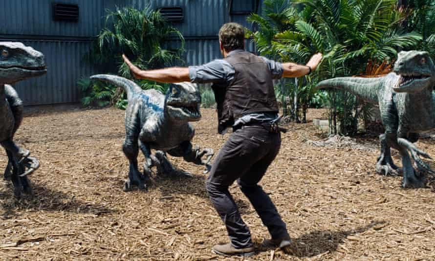 Zookeepers all over the world are recreating this scene of Chris Pratt taming his raptor squad.
