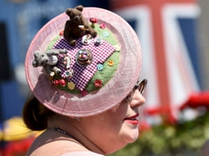 Jennifer Dardling shows off her 'teddy bears' picnic' hat
