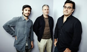 Iranian journalist Maziar Bahari (R) next to director Jon Stewart and actor Gael Garcia Bernal (L), who appears in Rosewater, a film based on his time in jail in Iran.