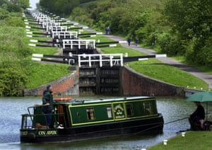 Locks on the Kennet and Avon canal at Caen Hill.