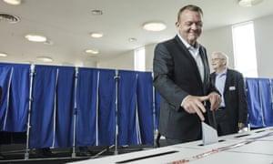 Lars Loekke Rasmussen, casts his vote Thursday.