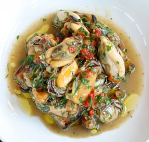 Marksman's devilled mussels
