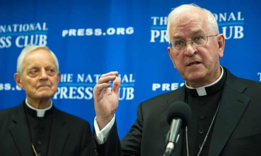 """Archbishop of Louisville, Ky. Joseph Kurtz, president, U.S. Conference of Catholic Bishops, right,  and Cardinal Donald Wuerl, archbishop of Washington, brief the news media on """"Laudato Si"""", Pope Francis' encyclical on the environment, in Washington"""