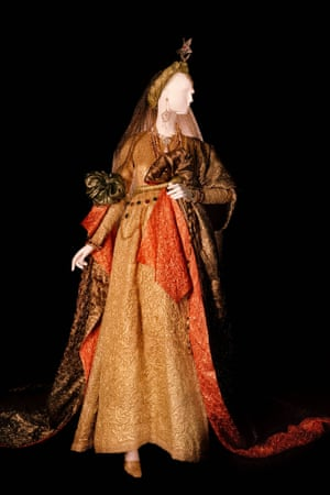 Wedding dress. Tribute to William Shakespeare. Haute couture collection, Autumn-Winter 1980
