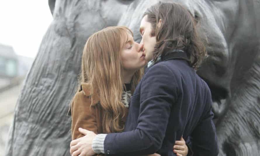 Kiss of death ... Sienna Miller and Cillian Murphy on set of shelved drama Hippie Hippie Shake.